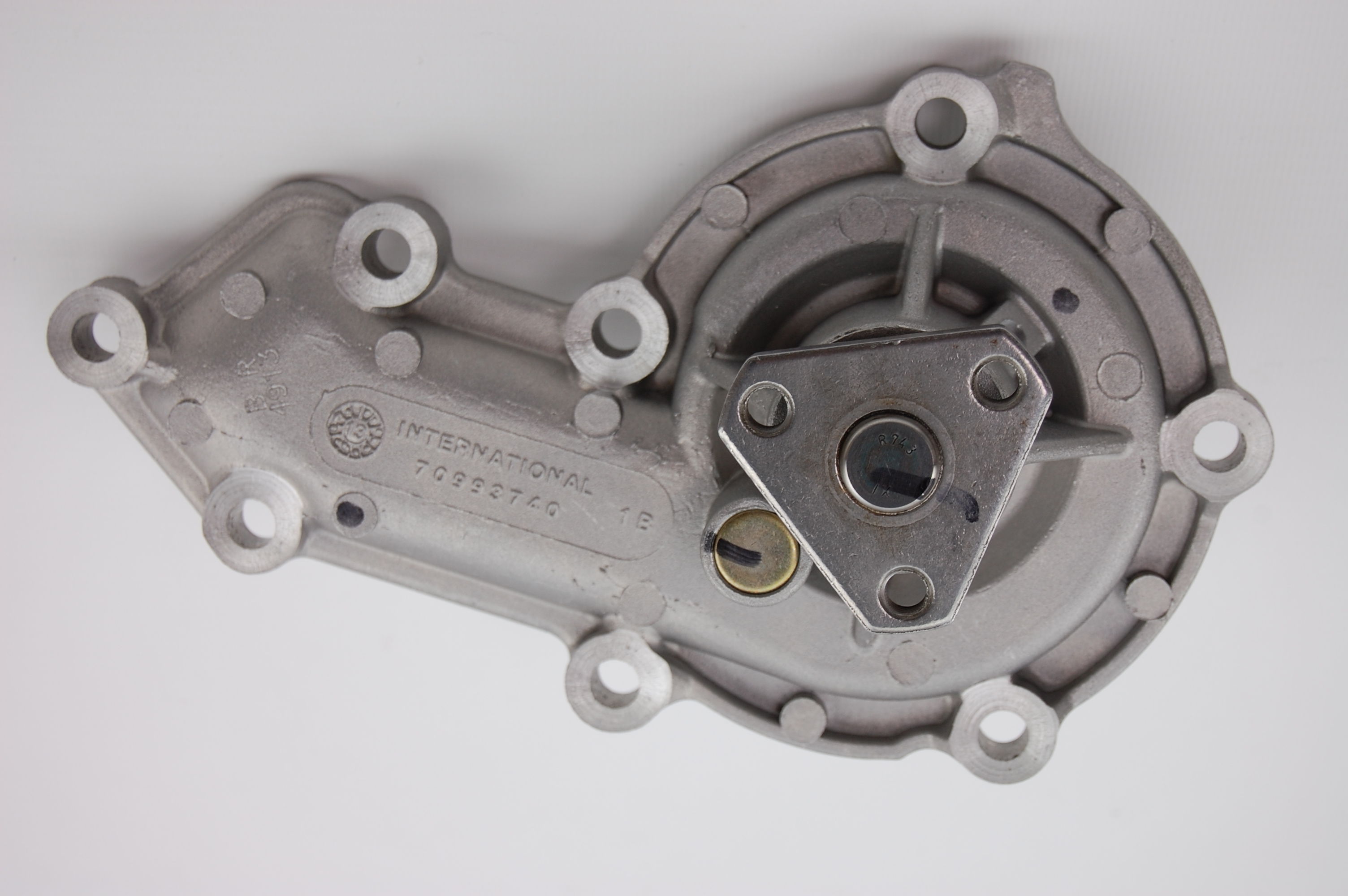 STC1086 and PEB500090 70993740 WATER PUMP tor HS2.8 and 300Tdi engines